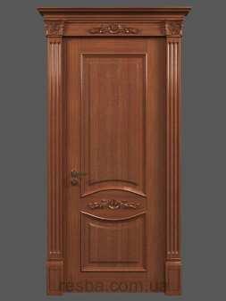 Межкомнатная или входная деревянная дверь D3-07. Возможно исполнение глухое или со стеклом. В стоимость входит дверное полотно 800х2000мм. из массива ясеня, дверная лутка шириной 100мм., наличники на одну сторону.
